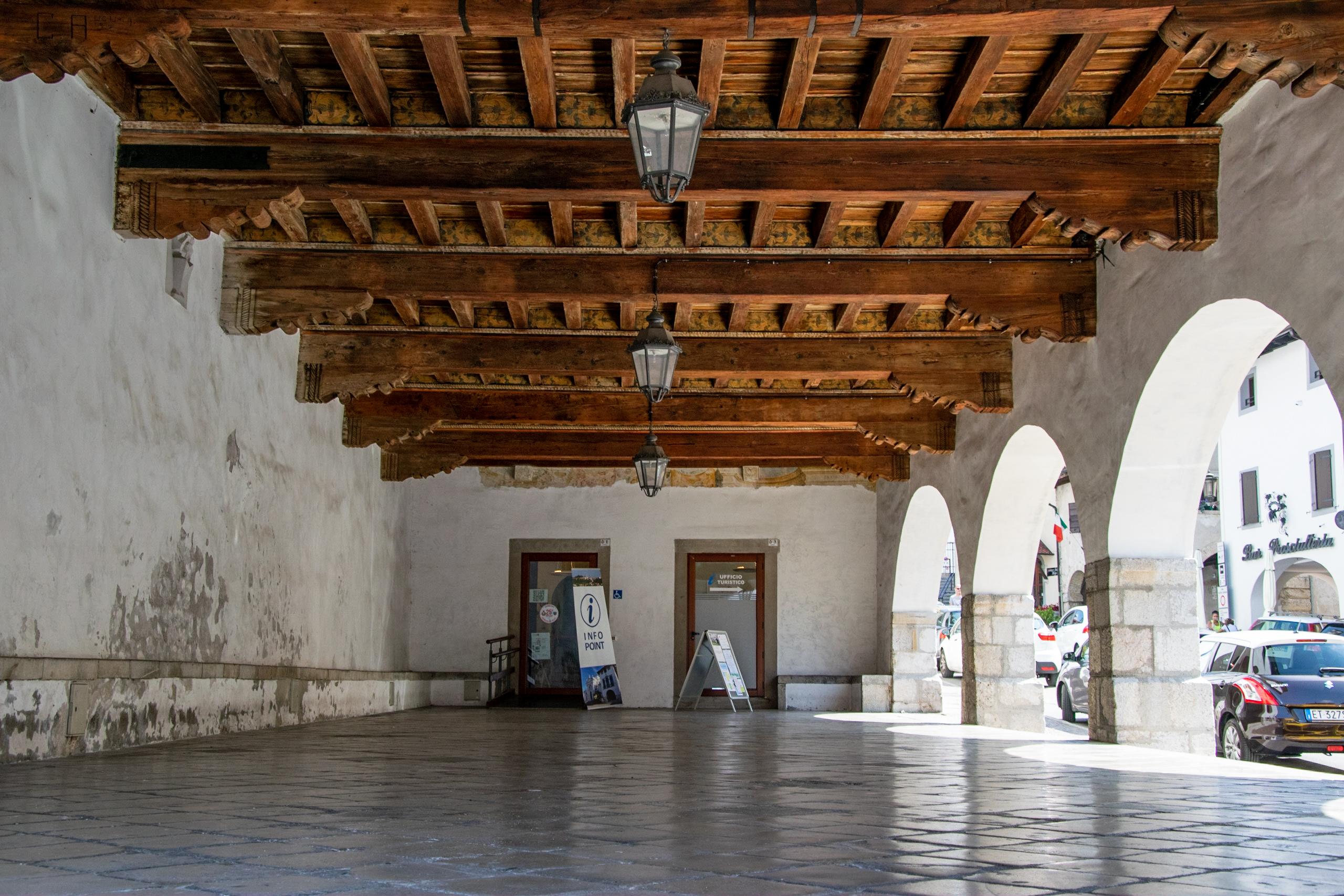 Loggia palazzo comune e Ufficio turistico - San Daniele del Friuli