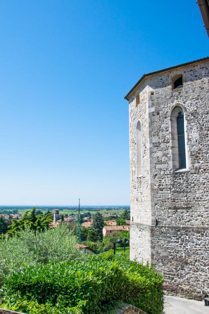 Torre con vista sulla pianura friulana