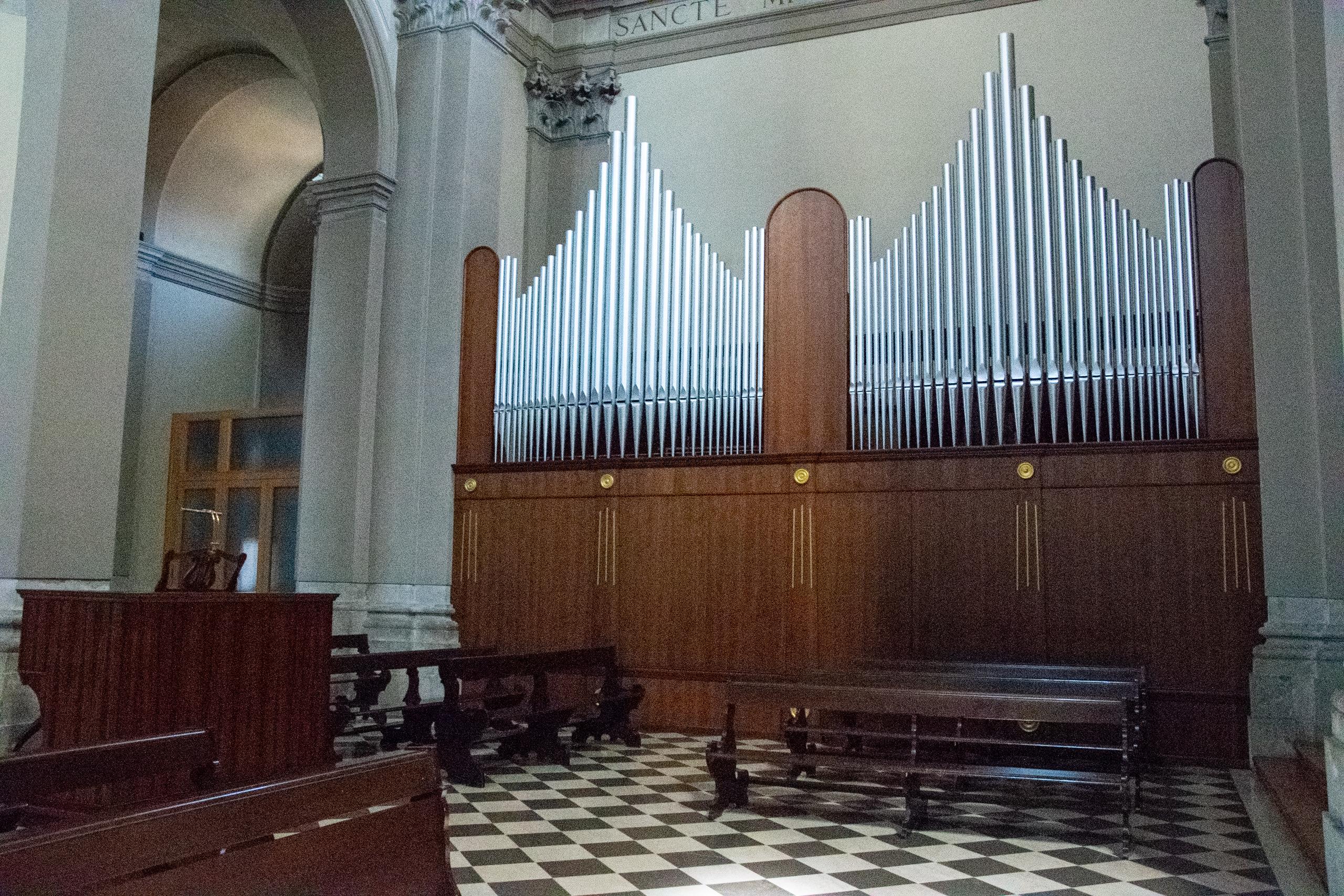 Organo all'interno del Duomo di San Michele Arcangelo - San Daniele del Friuli