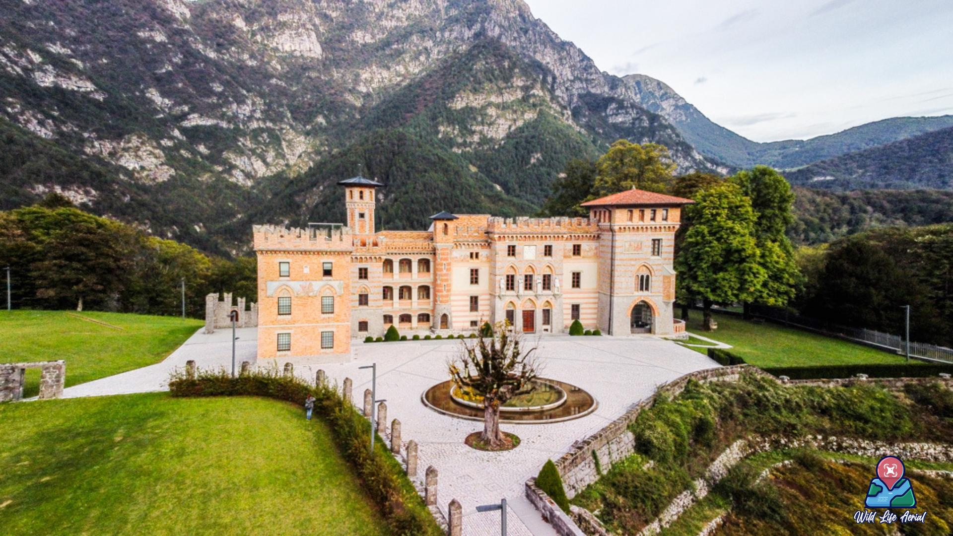 Castelo Ceconi visto dall'alto - in collaborazione con @wildlifeaerial