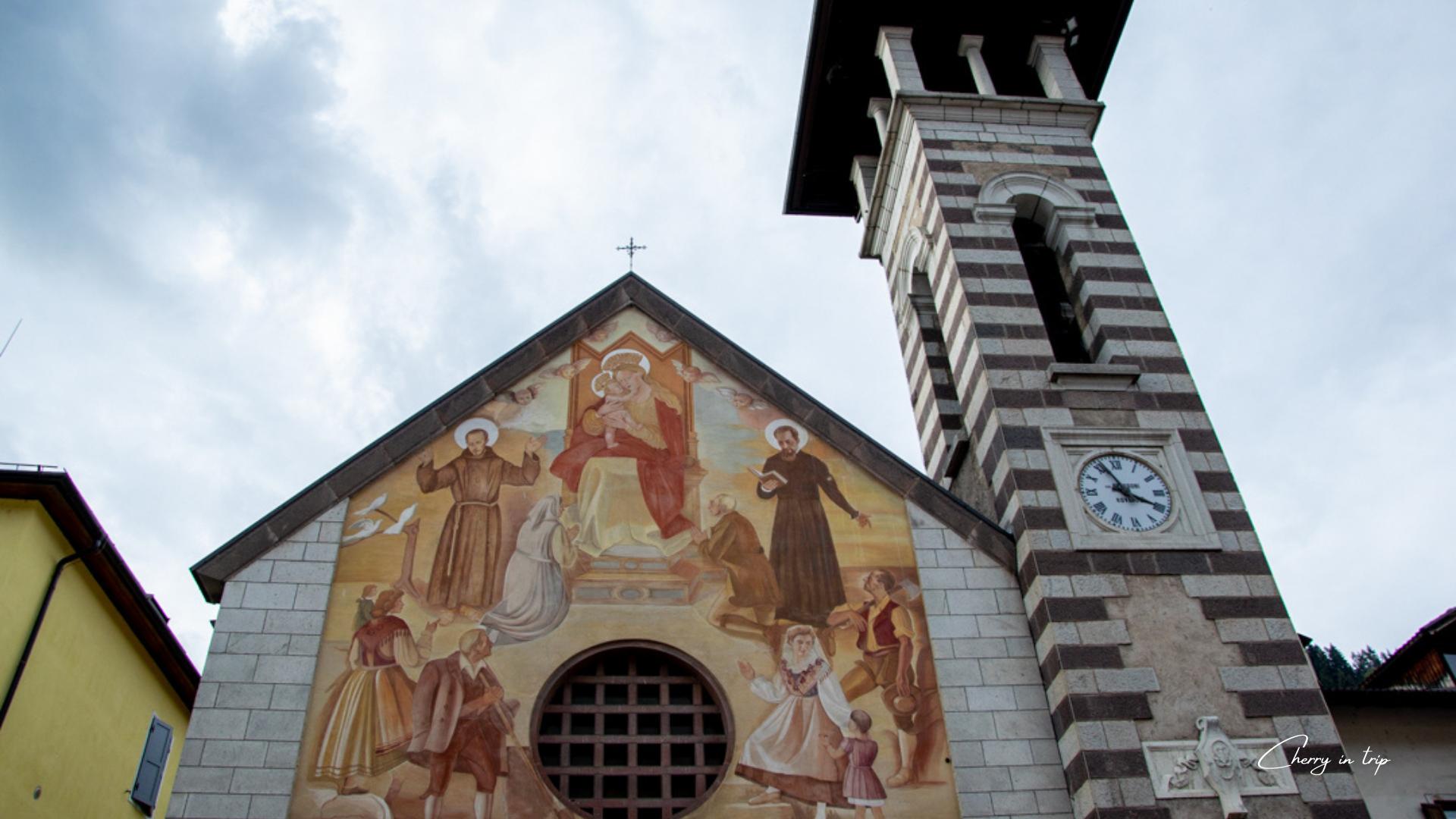 Chiesa Madonna d'Aiuto e la Torre campanaria- Fiera di Primiero