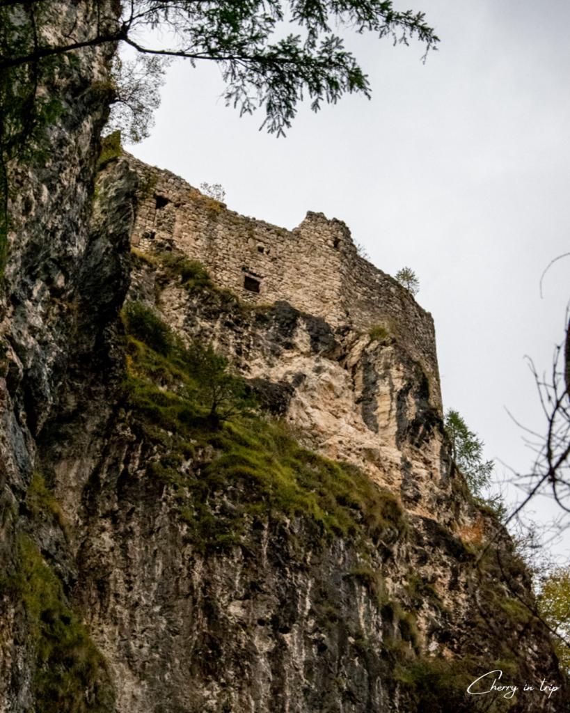 Il Castel di Pietra a Tonadico