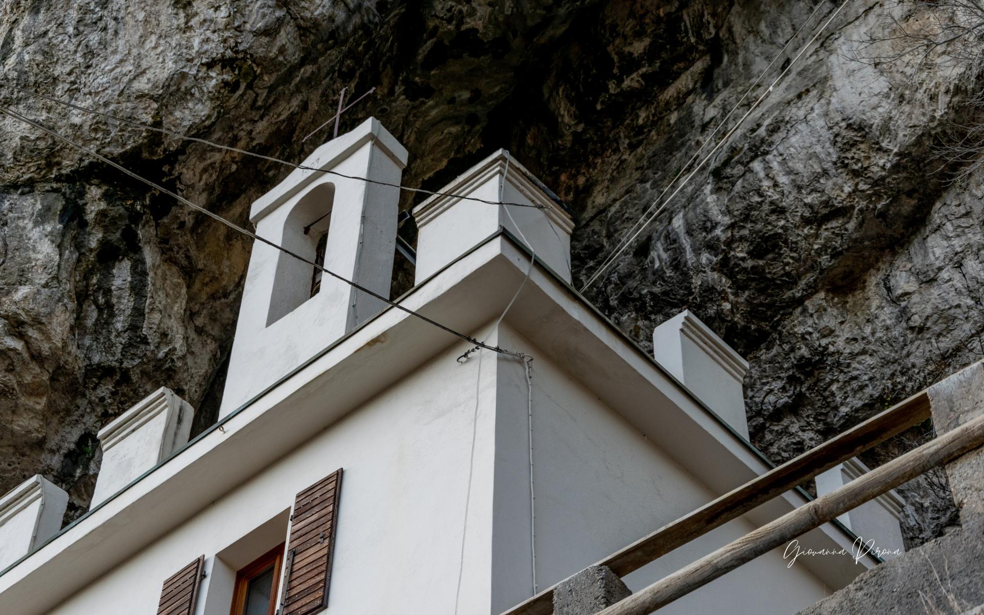 Casa del guardiano del fuoco all'Eremo di San Micel (Fonzaso - BL)