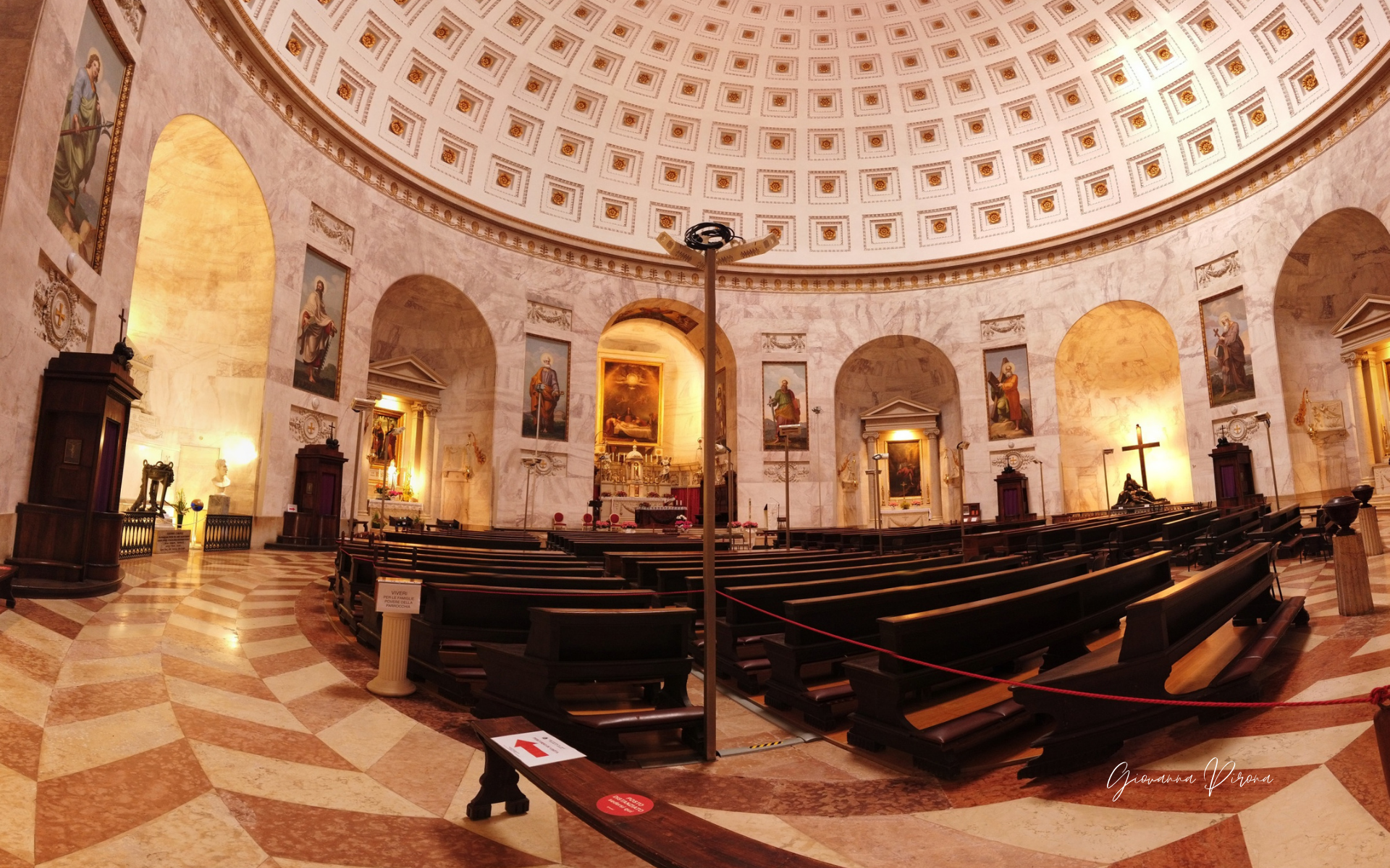 Interno del Tempio di Canova a Possagno (TV)
